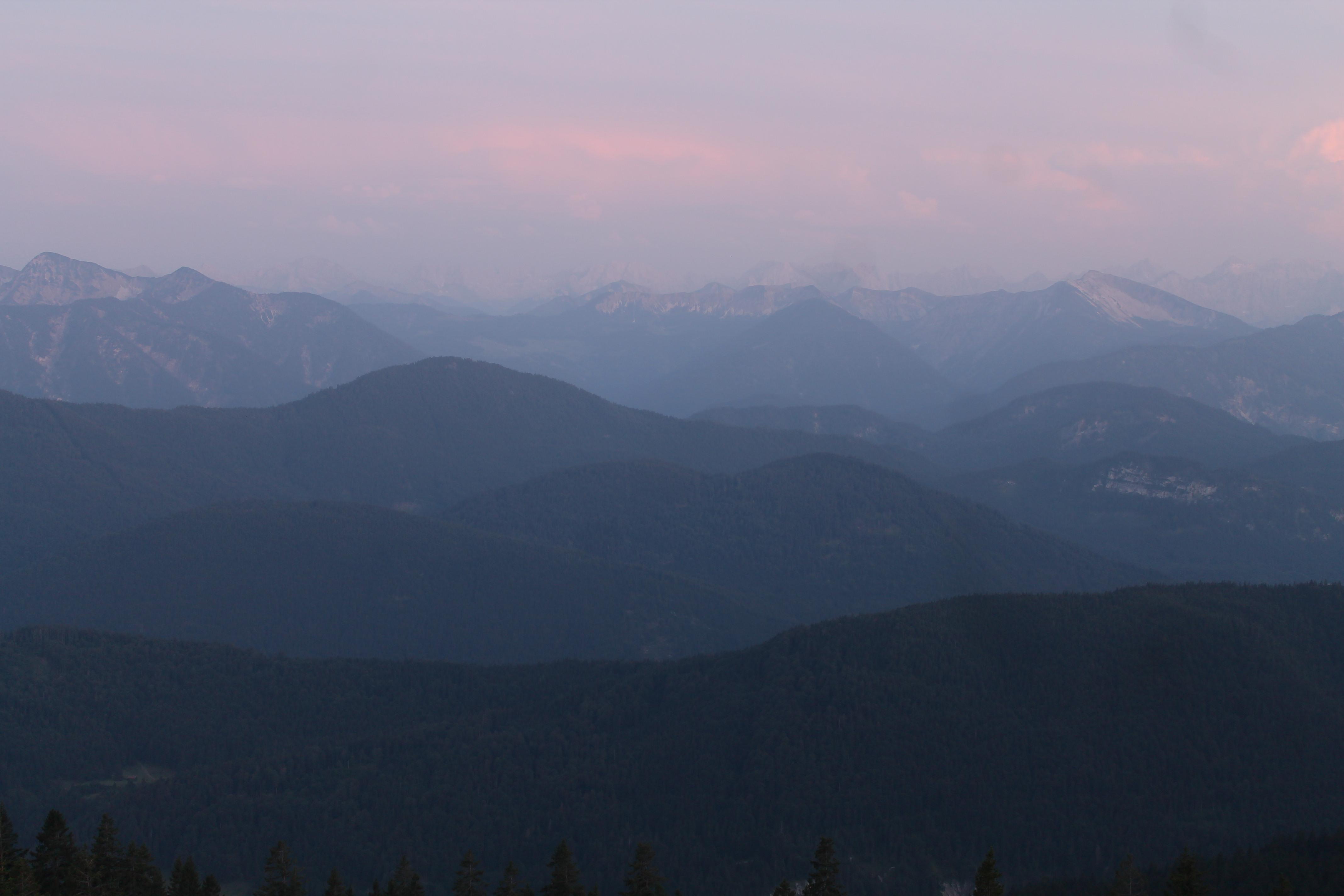 Blick vom Brauneck ins Karwendelgebirge